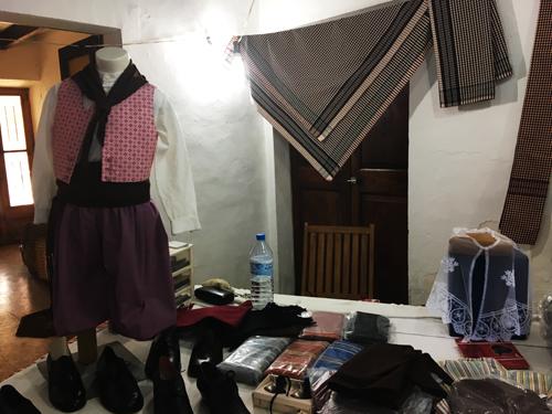 伝統衣装2