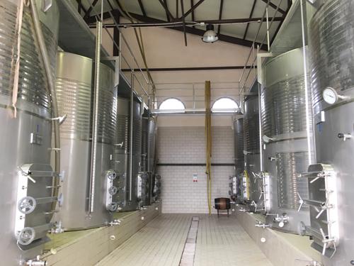 ワイン貯蔵タンク