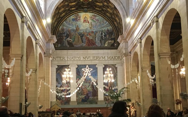 マヨルカの教会でのクリスマス