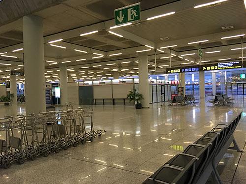 パルマデマヨルカ空港ロビー