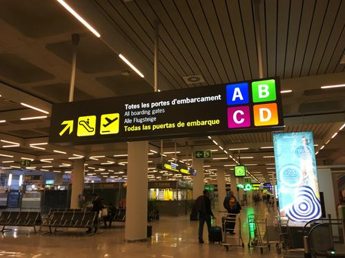 パルマデマヨルカ空港出発ロビー