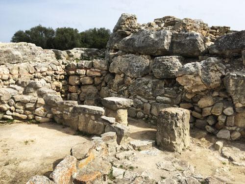タライオット遺跡部屋