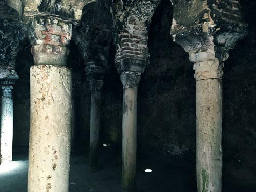 イスラム浴場柱