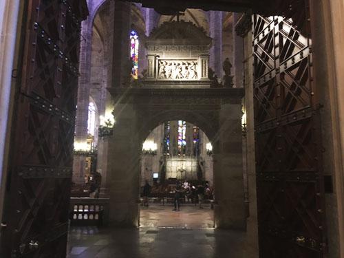 パルマ大聖堂入り口