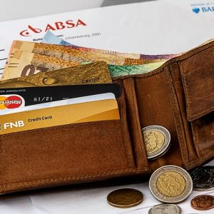 カード、現金、財布