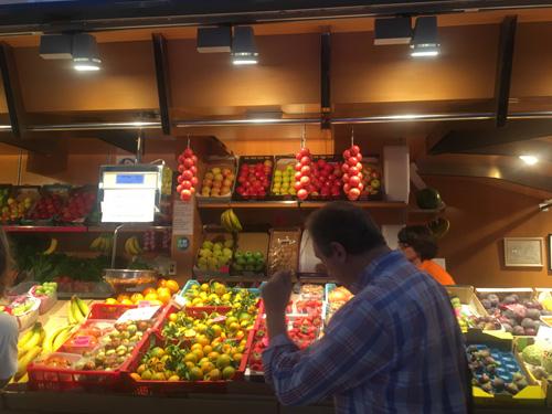 パルマ市場果物屋1