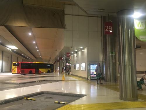パルマ駅バスターミナル2