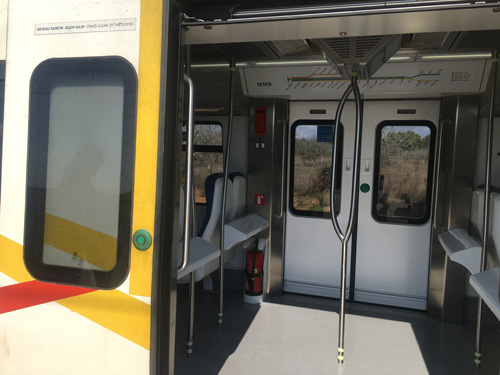 TIB電車ドア開け方