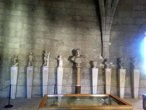 ベル城古代彫刻コレクション