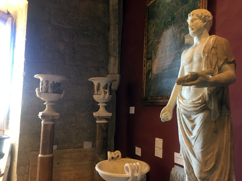 ベルベル城古代彫刻