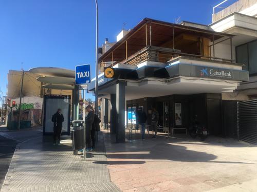 Plaça de Gomilaバス停