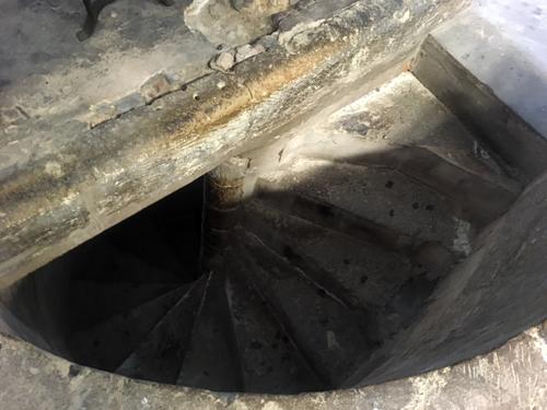 ベルベル城らせん階段
