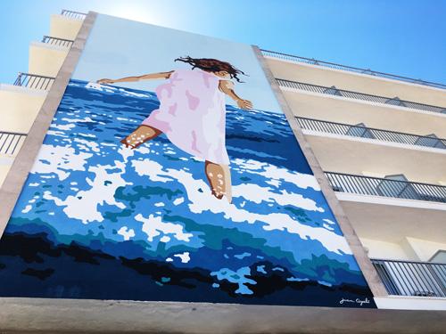 ホテルの壁画