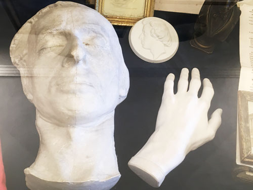 ショパンデスマスクと手