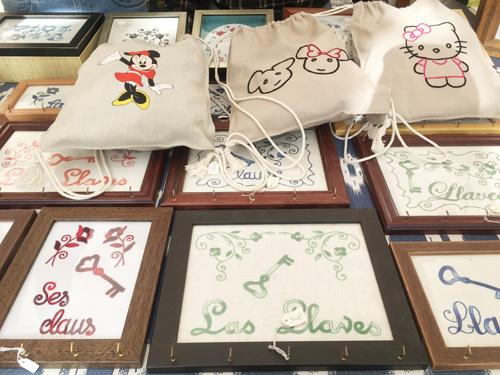 マヨルカ刺繍の露店