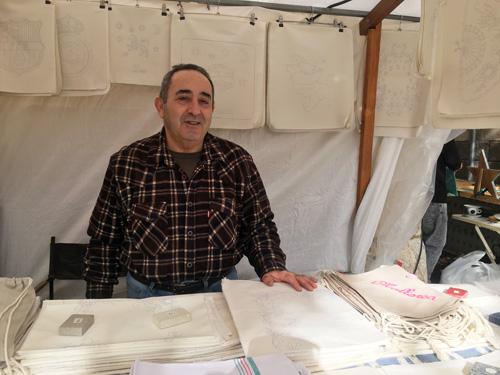 マヨルカ刺繍職人パコ