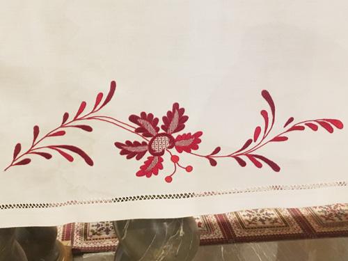 マヨルカ刺繍深紅