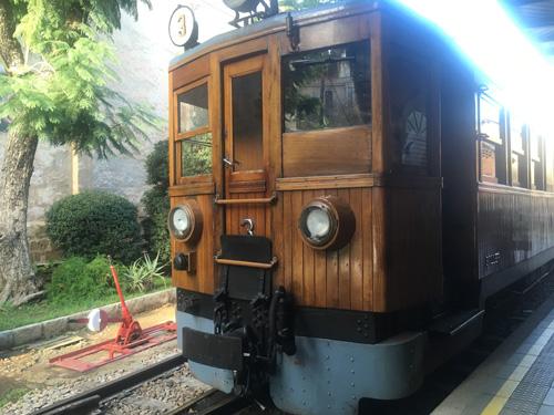 マヨルカ山岳鉄道列車
