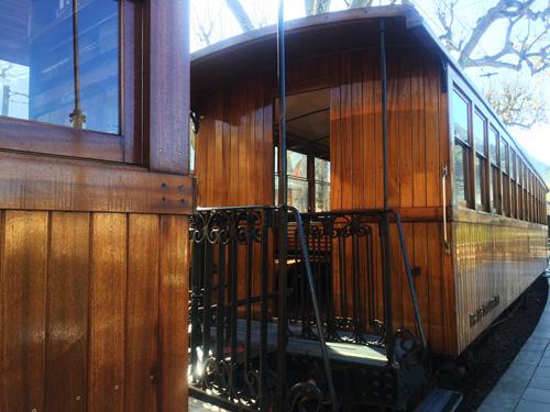 マヨルカ山岳鉄道木造列車